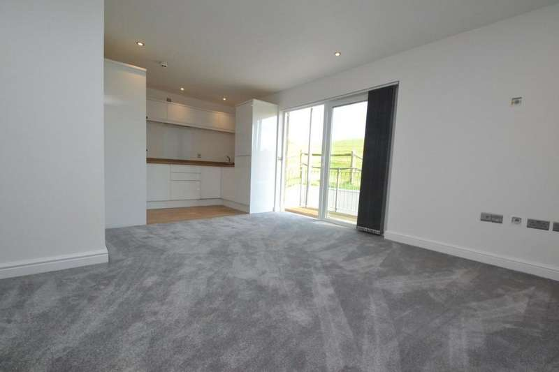 2 Bedrooms Apartment Flat for sale in Shore Road, Bonchurch
