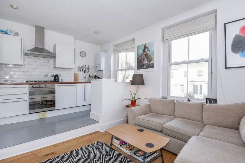2 Bedrooms Flat for sale in Riversdale Road, N5 2SU