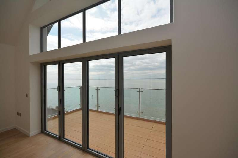 2 Bedrooms Apartment Flat for sale in Solent Shores, Gurnard