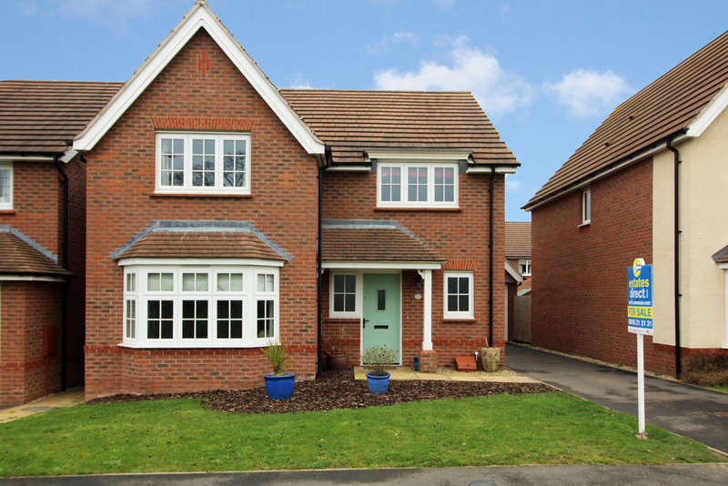 4 Bedrooms Detached House for sale in Earls Court Way, Worcester, Worcester, WR2