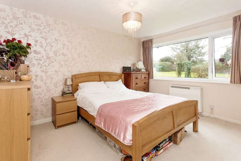 2 Bedrooms Ground Maisonette Flat for sale in Newport, Isle Of Wight