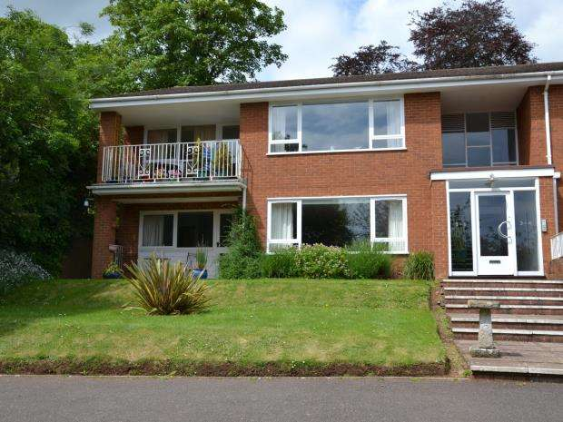 3 Bedrooms Flat for sale in Little Knowle Court, 32 Little Knowle, Budleigh Salterton, Devon