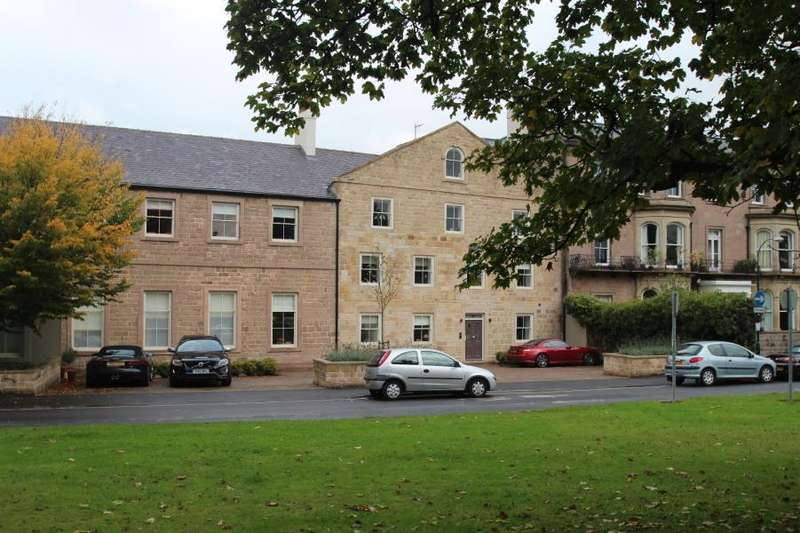 2 Bedrooms Apartment Flat for sale in GASCOIGNE HOUSE, DEVONSHIRE PLACE, HARROGATE, HG1 4AD