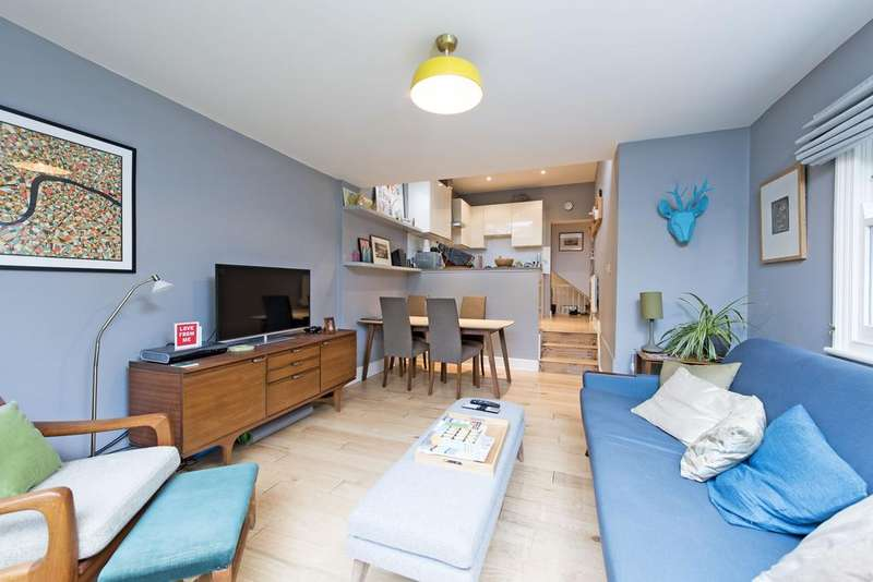3 Bedrooms Flat for sale in Schubert Road, SW15