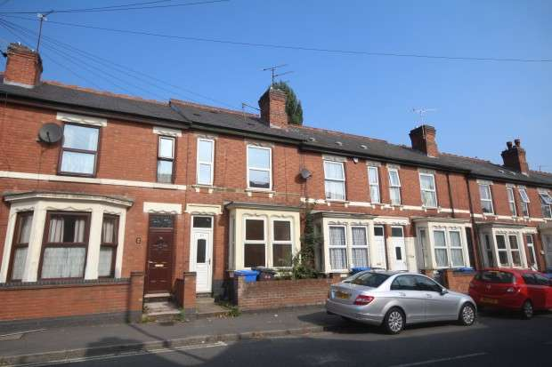 3 Bedrooms Terraced House for sale in Walbrook Road, Derby, DE23