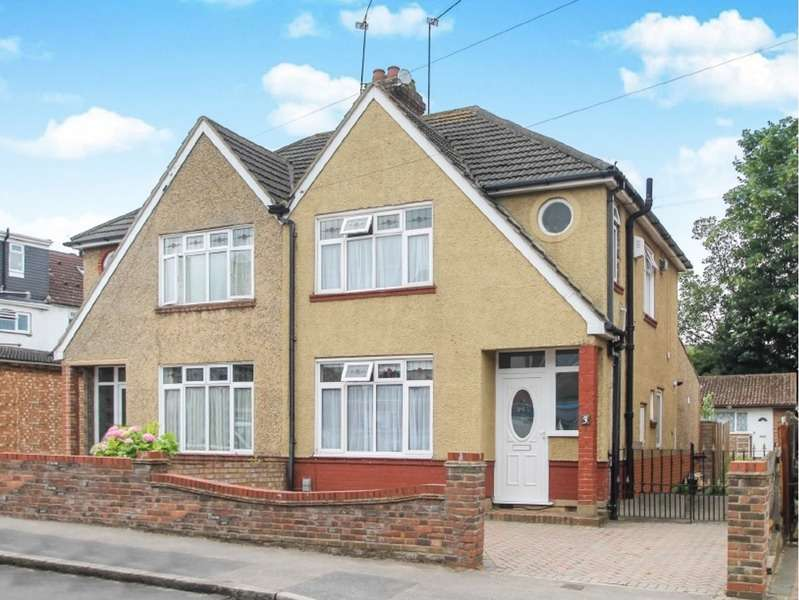 3 Bedrooms Semi Detached House for sale in St Mildred's Avenue, Luton, Bedfordshire, LU3