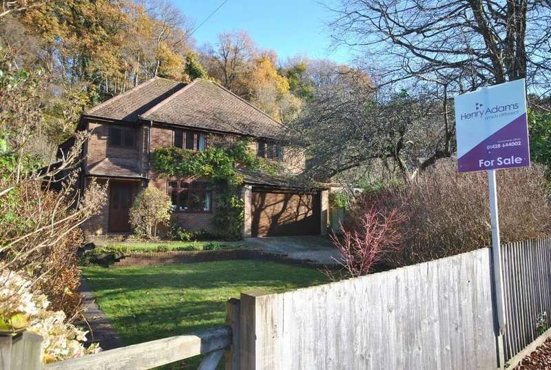 5 Bedrooms Detached House for sale in Marley Combe Road, Haslemere, GU27