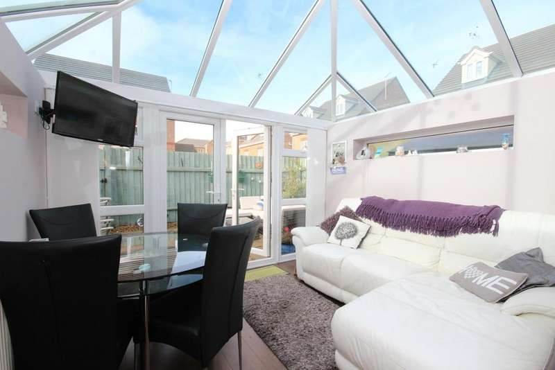 3 Bedrooms Semi Detached House for sale in 21 Farnham Close , Barrow-In-Furness