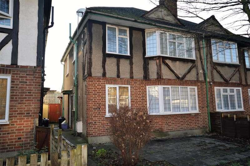 2 Bedrooms Maisonette Flat for sale in York Close, Morden