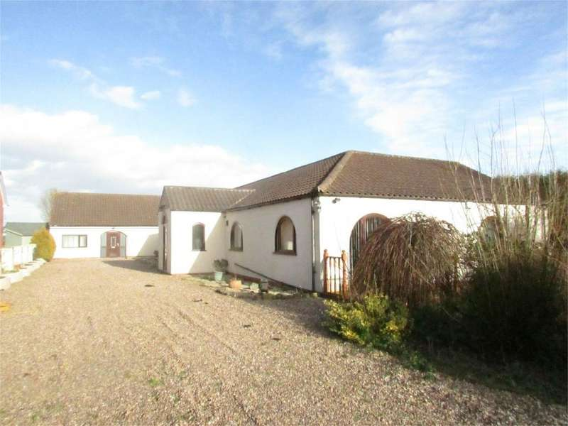 5 Bedrooms Equestrian Facility Character Property for sale in Shore Road, Garthorpe, Lincolnshire, DN17