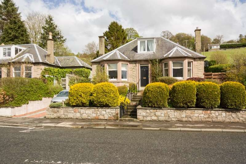 4 Bedrooms Bungalow for sale in Edinburgh Road, Peebles, Borders, EH45 8EB