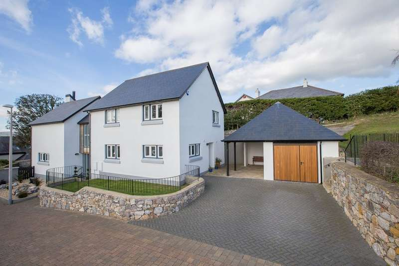 4 Bedrooms Detached House for sale in Leat Close, Kingsteignton