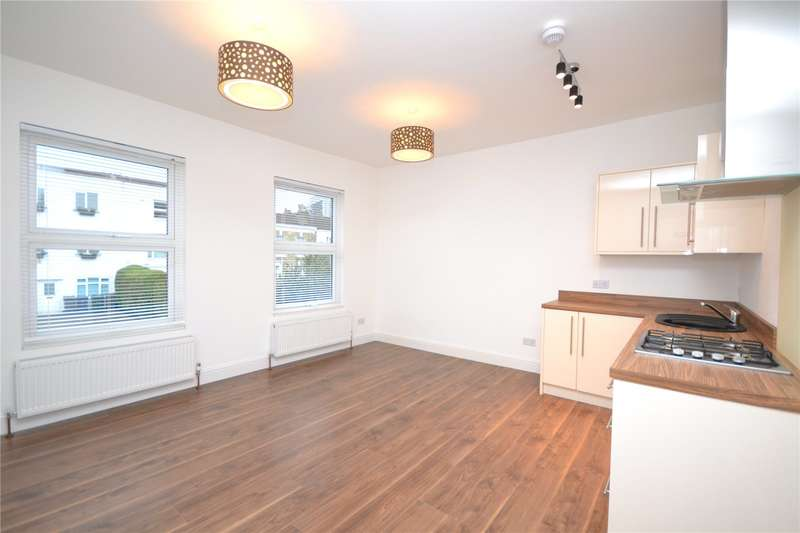 2 Bedrooms Apartment Flat for sale in Stanhope Road, North Finchley, London, N12
