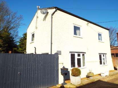 2 Bedrooms Detached House for sale in Heacham, King's Lynn, Norfolk