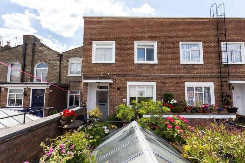 3 Bedrooms Maisonette Flat for sale in Hornsey Road, London, N7
