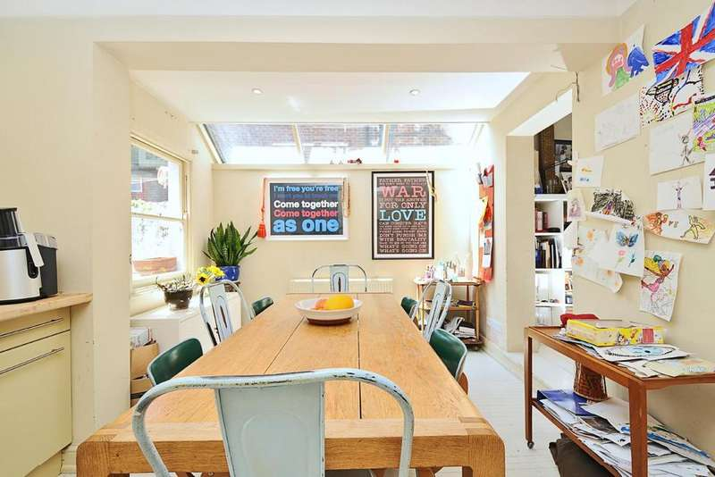 4 Bedrooms Terraced House for sale in Patience Road, Battersea, SW11