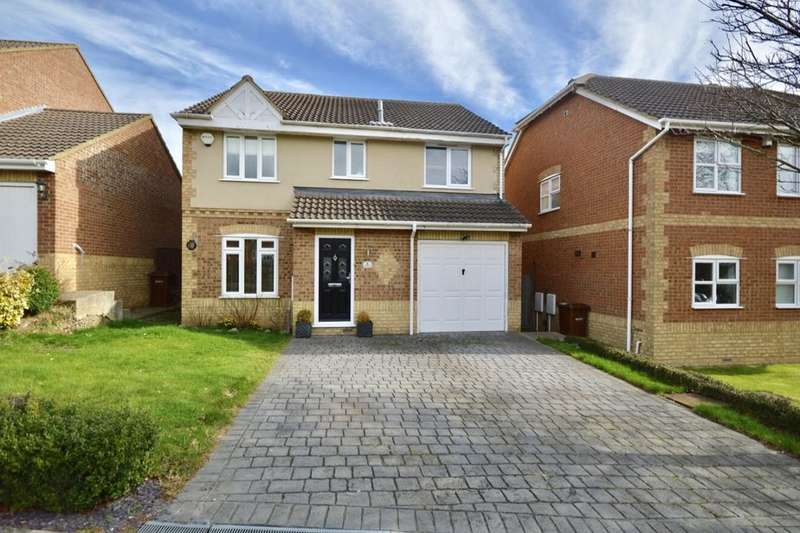 4 Bedrooms Detached House for sale in Chequers Court, Strood, Rochester, ME2