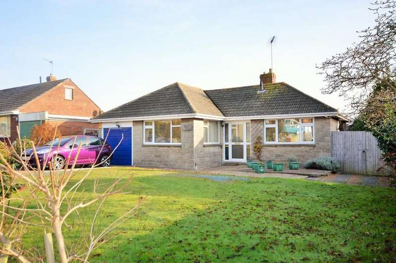 2 Bedrooms Detached Bungalow for sale in Morton Road, Brading