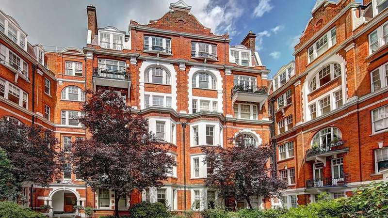 4 Bedrooms Flat for sale in Fitzjames Avenue, London. W14