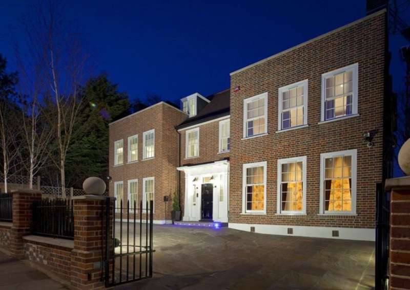 7 Bedrooms House for sale in Frognal, London. NW3