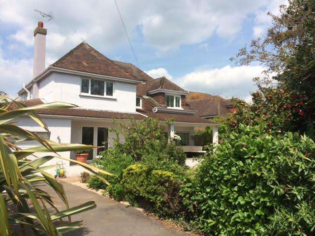 4 Bedrooms Detached House for sale in Grange Park, Ferring, West Sussex, BN12 5LS
