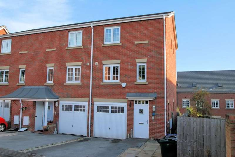 3 Bedrooms Town House for sale in Ashfield Close, Penistone