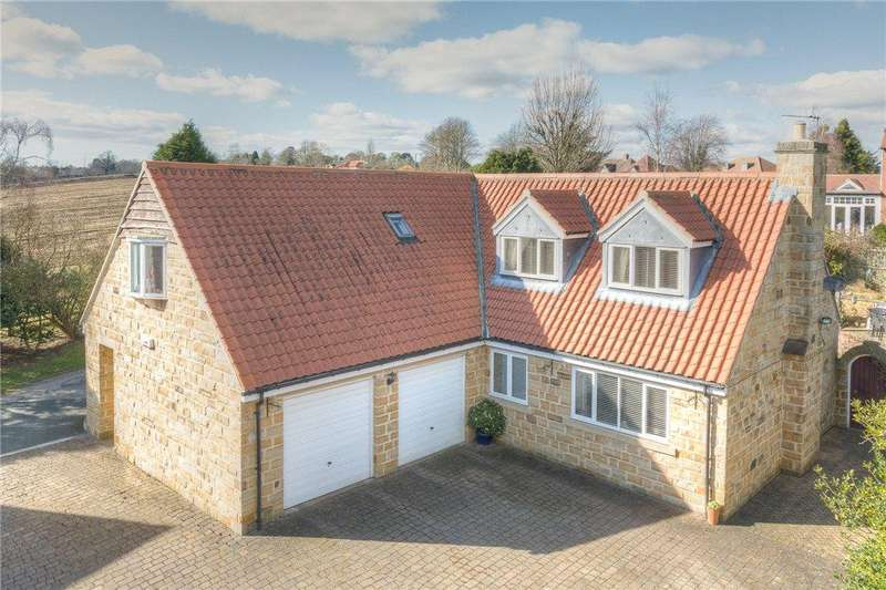 4 Bedrooms Detached House for sale in Bluecoat Court, Collingham, Wetherby, West Yorkshire