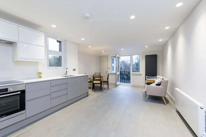 2 Bedrooms Flat for sale in Oakmead Road, SW12