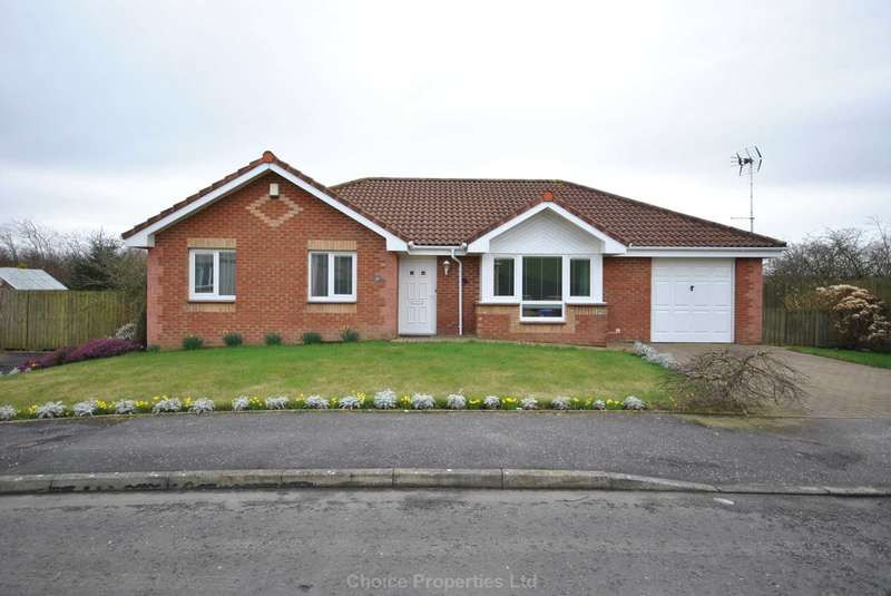 3 Bedrooms Detached Bungalow for sale in McAdam Way, Maybole, KA19 8FD