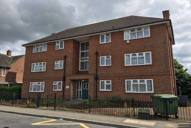 1 Bedroom Flat for sale in Iliffe Avenue, Oadby, Leicester, LE2