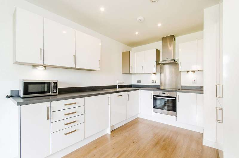 2 Bedrooms Flat for sale in Canning Road, Harrow Weald, HA3