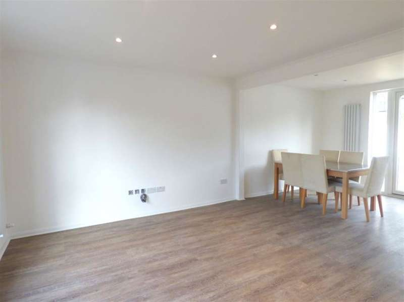 3 Bedrooms Semi Detached House for sale in St Dunstans Road, TW4 7QP