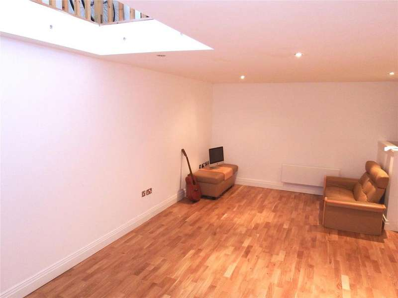 2 Bedrooms Flat for sale in Dock Street, Leeds, West Yorkshire, LS10