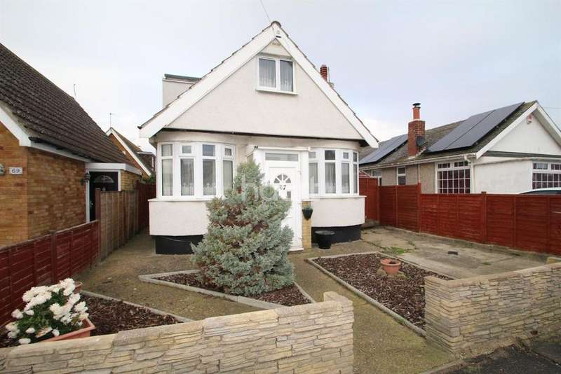 3 Bedrooms Bungalow for sale in Broadway, Clacton-on-Sea