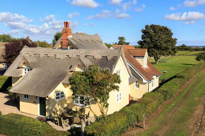 4 Bedrooms Detached House for sale in East Mersea