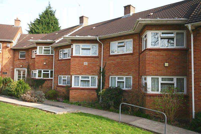 2 Bedrooms Apartment Flat for sale in Oak House, Whitchurch