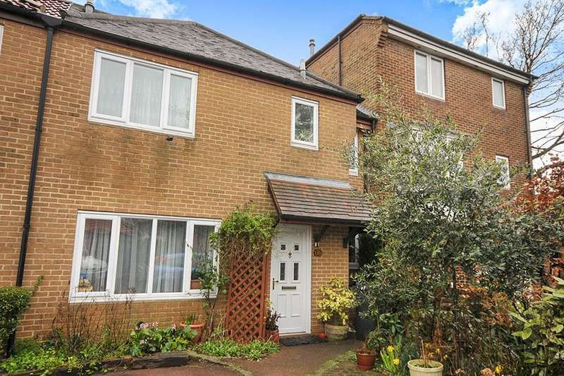 3 Bedrooms Property for sale in Bourneside Gardens, LONDON, SE6