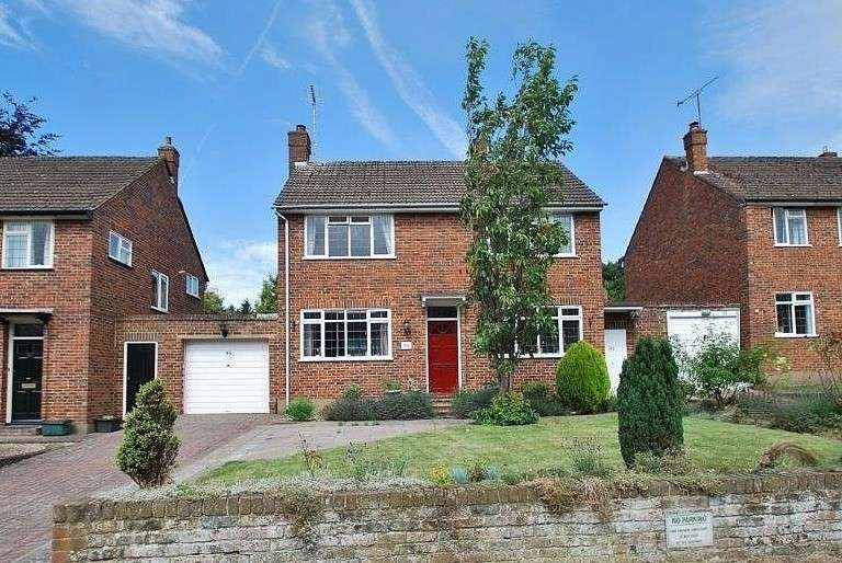 3 Bedrooms Detached House for sale in Church Street, Chesham, HP5