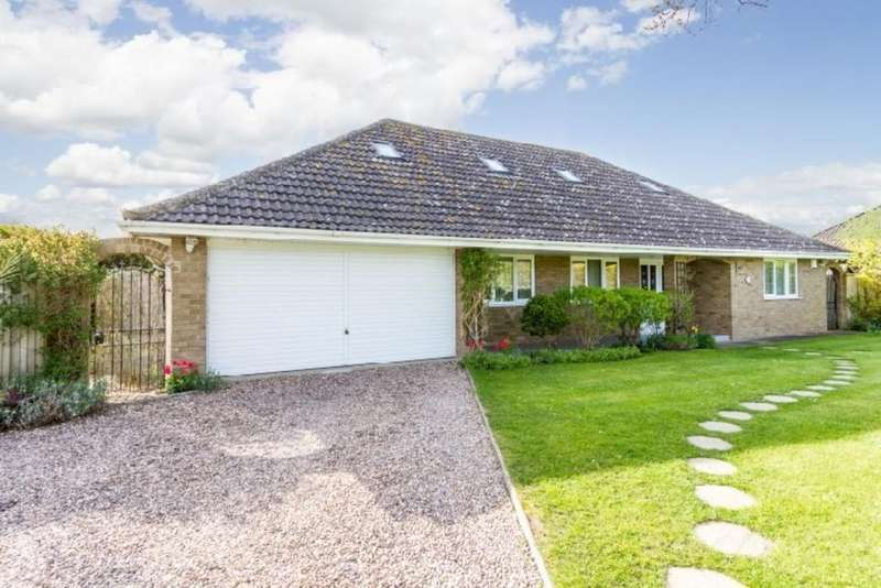 6 Bedrooms Detached Bungalow for sale in Mill Lane, North Hykeham