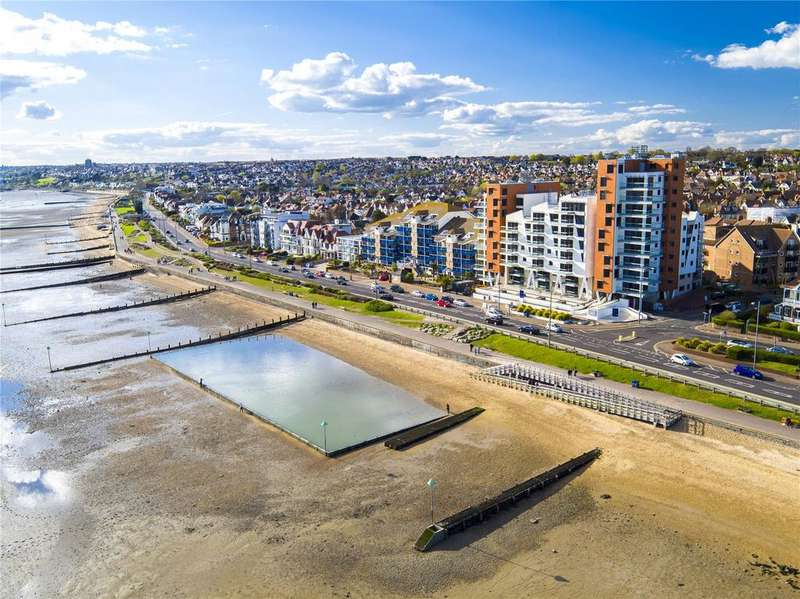 2 Bedrooms Flat for sale in E8 The Shore, 22-23 The Leas, Westcliff On Sea, Essex, SS0