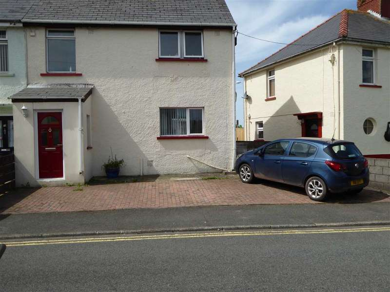 3 Bedrooms Semi Detached House for sale in Glebelands,, Hakin, Milford Haven