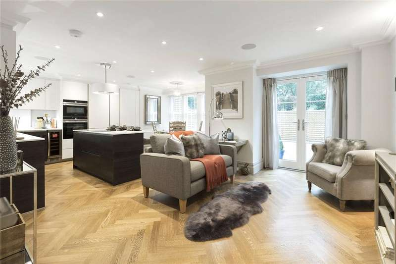 2 Bedrooms Flat for sale in Langton Priory, Portsmouth Road, Guildford, Surrey, GU2