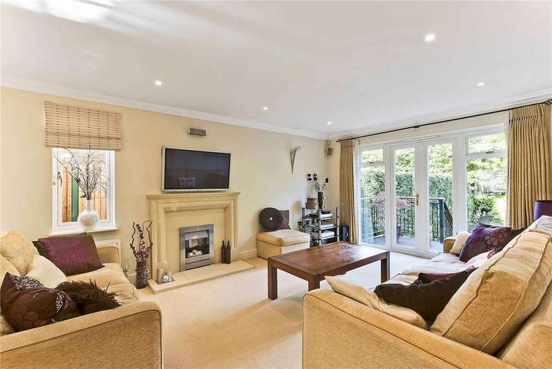5 Bedrooms Detached House for sale in Hurst Road, East Molesey, Surrey, KT8