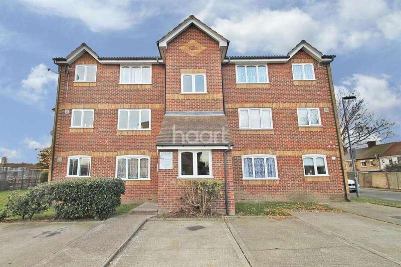 1 Bedroom Flat for sale in Greenslade Road, Barking Essex IG11