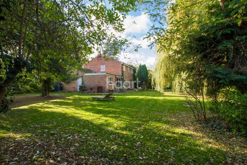 4 Bedrooms Detached House for sale in Broughton Village