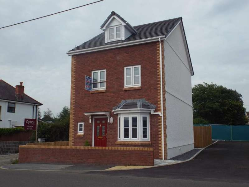 4 Bedrooms Detached House for sale in 1 Heol Llys Manon, Llandybie
