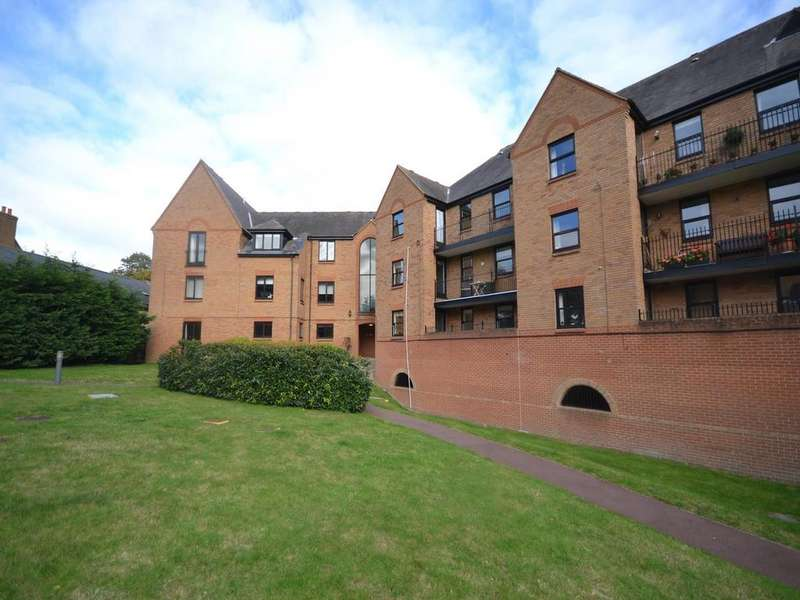2 Bedrooms Apartment Flat for sale in Place, Chelmsford Road,, Great Dunmow,, CM6