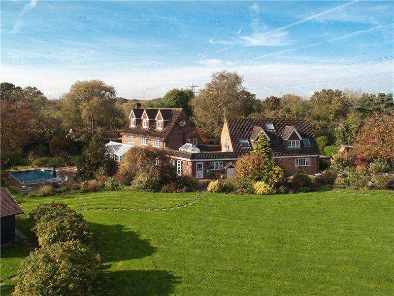 6 Bedrooms Detached House for sale in Sheepcote Lane, Paley Street, Berkshire, SL6