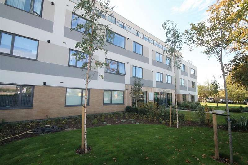 1 Bedroom Flat for sale in West Plaza, Ashford, Surrey