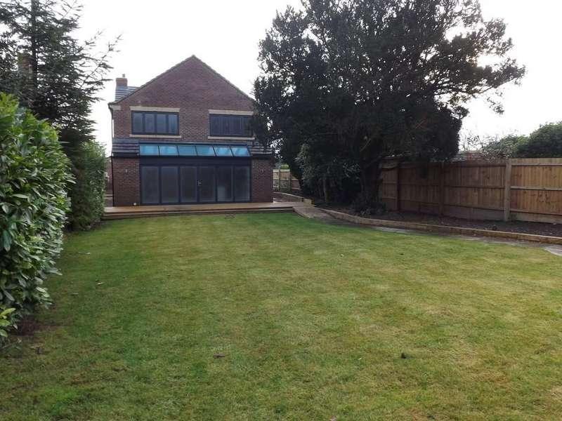 5 Bedrooms Detached House for sale in Fleet Hargate